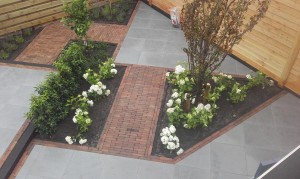 tuin-ontwerp-bestrating-schutting